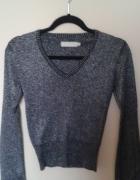 srebrny sweterek wyszywany srebrną nicią rozszerza...