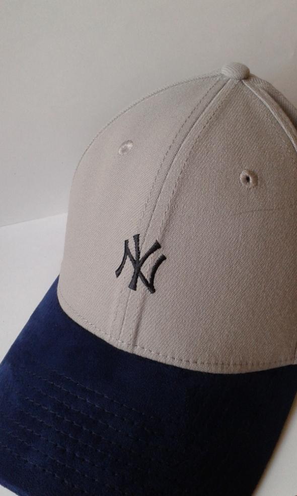 nowa czapka marki NewEra granatowo szara...