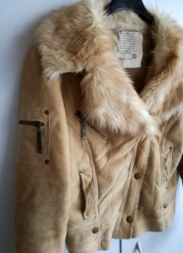 Beżowa kurtka ramoneska kożuch kożuszek hit