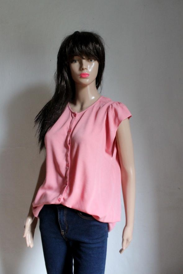 Różowa koszula bez rękawów lejąca r M...