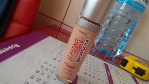 Rimmel Lasting Finish 25H Breathable...
