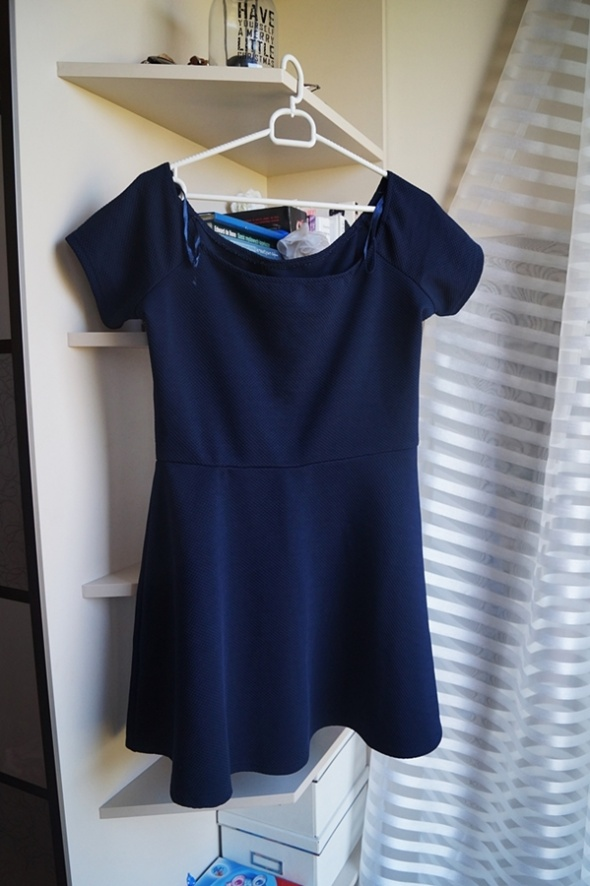 Granatowa elegancka sukienka Ax Paris XL...