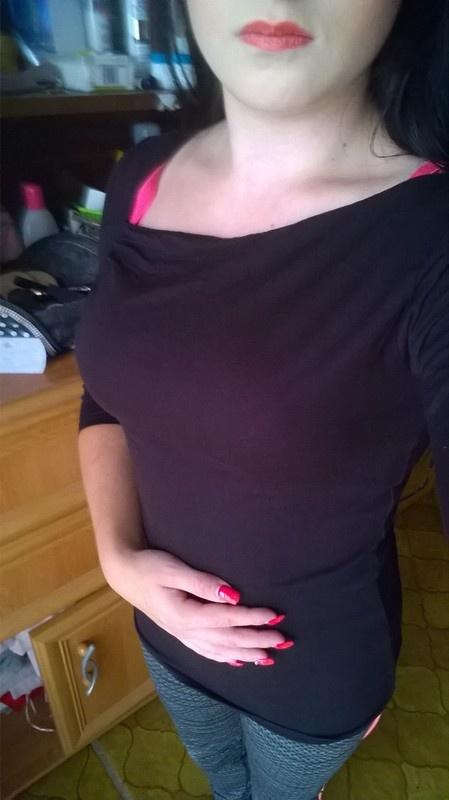 Czarna bluzeczka...