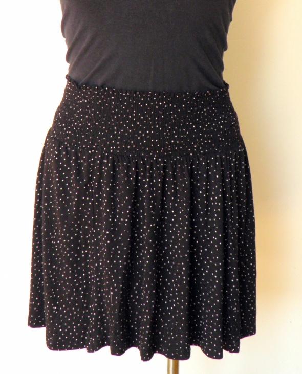 Spódnice czarna rozkloszowana spódnica H&M