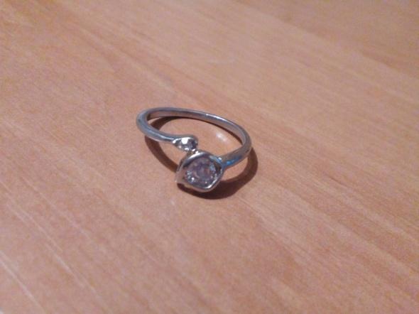 pierścionek 20...