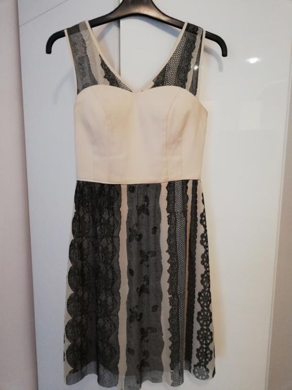 Beżowa sukienka Vissavi...