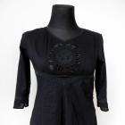 Czarna zwiewna bluzka ze zdobieniem