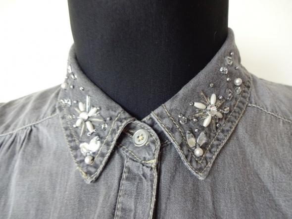Wiązana czarna koszula jak z jeansu ze zdobieniami kryształki...