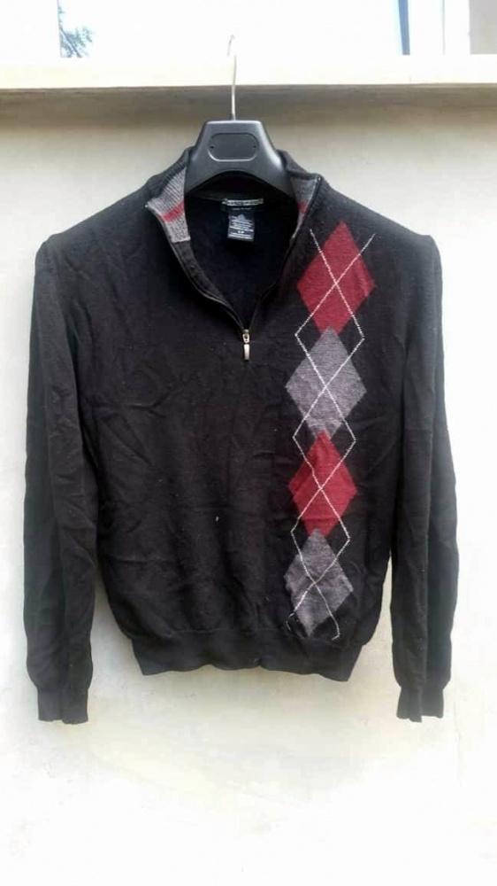 Męski czarny sweter w romby zapinanany na suwak S