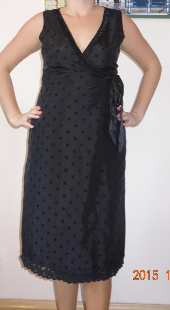 elegancka kopertowa sukienka z głębokim dekoltem...