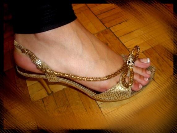 Złote sandały 37