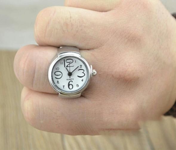 Nowy zegarek pierscionek...