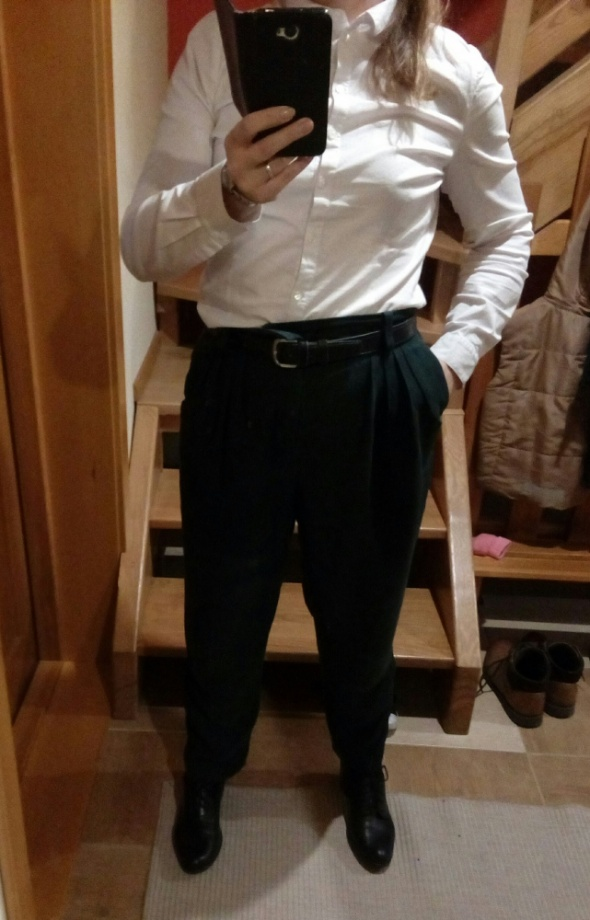 Butelkowe luźne spodnie 42...