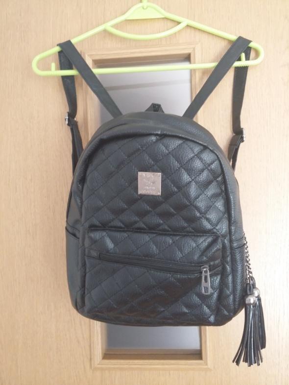 Pikowany plecaczek