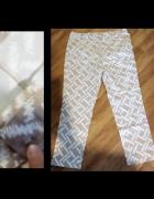 Eleganckie spodnie w ciekawy wzorek...