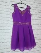 Fioletowa sukienka ze złotymi ćwiekami z Pink...