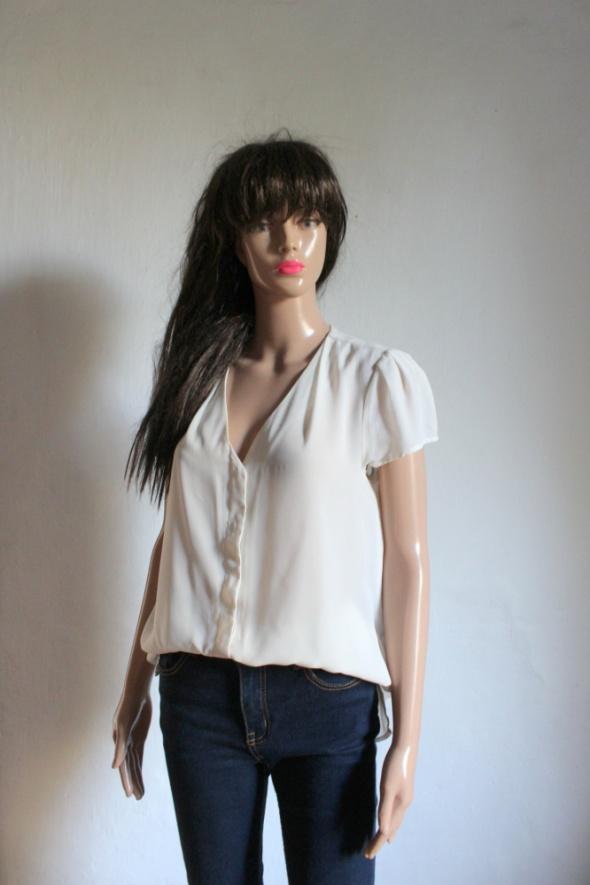Koszulowa kremowa asymetryczna bluzka r M...