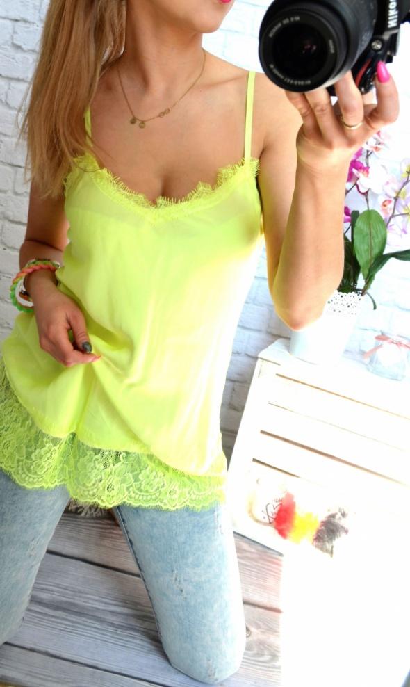 rozowa bluzka satynowa z koronka mega lato zolta