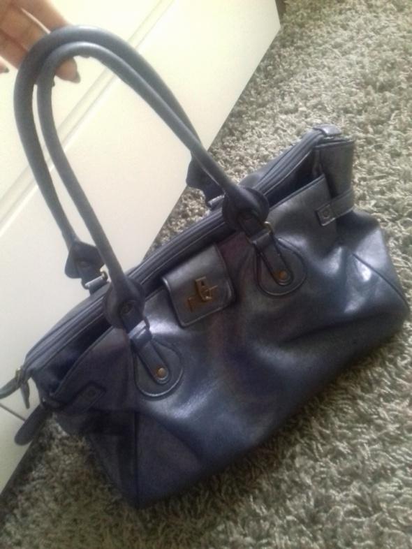 Kobaltowa torba...