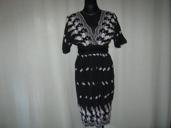 Suknie i sukienki haftowana sukienka Urban Behaviour 12
