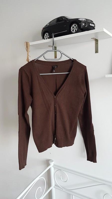 H&M sweterek guziki brązowy...