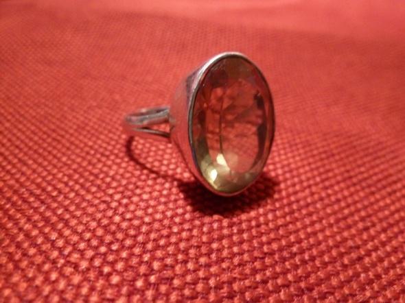 srebrny z cytrynem
