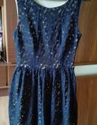 koronkowa sukienka marki Atmosphere...