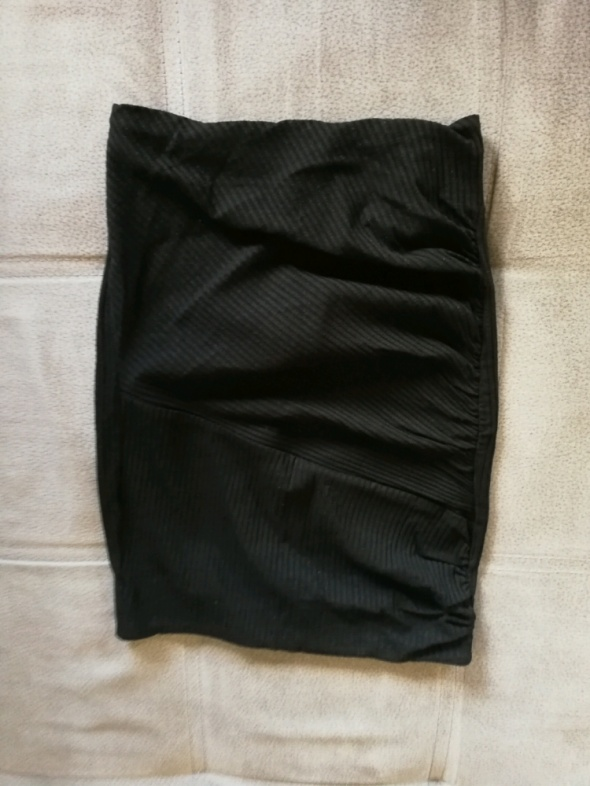 spódniczka tuba dopasowana Bershka czarna 36