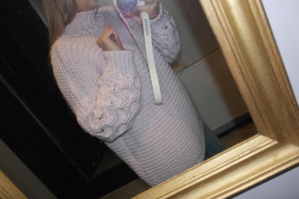 Nowy z metką sweter Dolce lila warkocz r uniwersalny