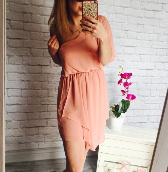 Super sukienka na ramie brzoskwinka