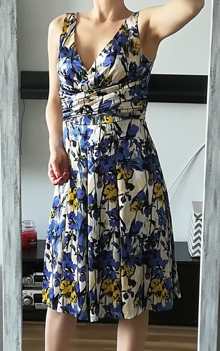 Monnari sukienka midi kwiaty M