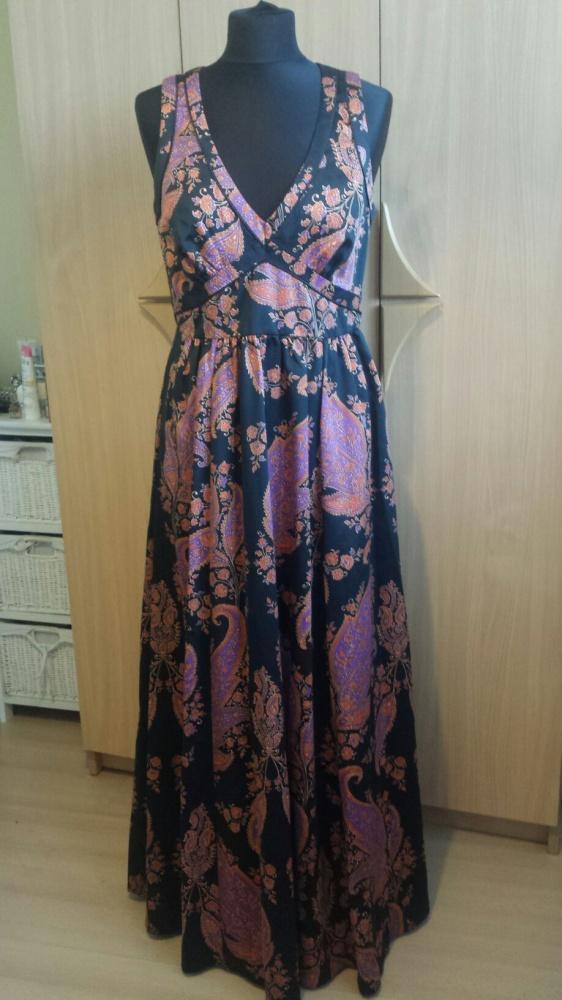 Piękna długa suknia firmy Next