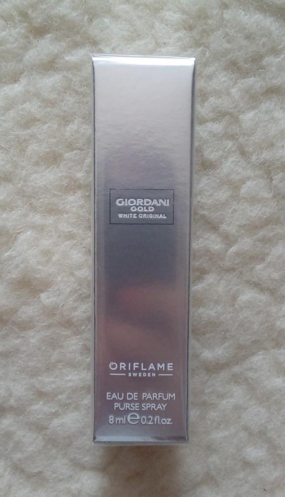Woda perfumowana dla kobiet minispray Giordani Gold White Original 8ml NOWA