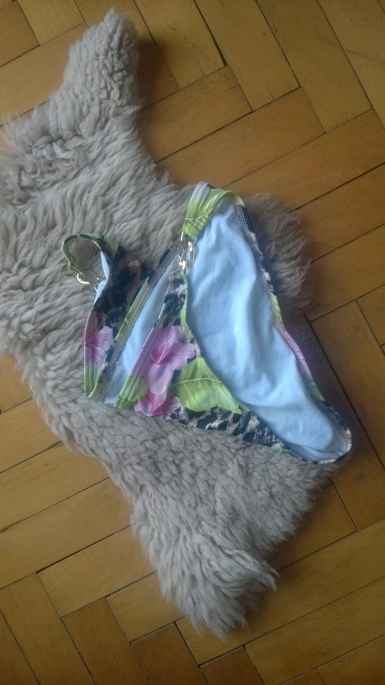 Dół bikini majtki kwiaty cętki złoty łańcuch