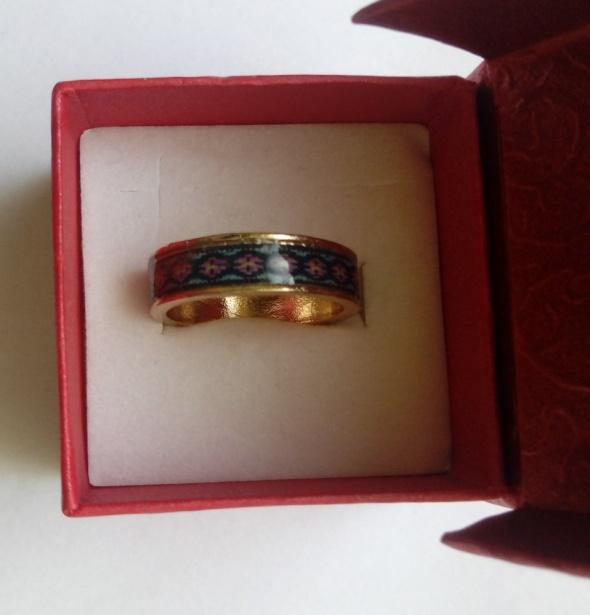 złota obrączka pierścionek malowany wzorek