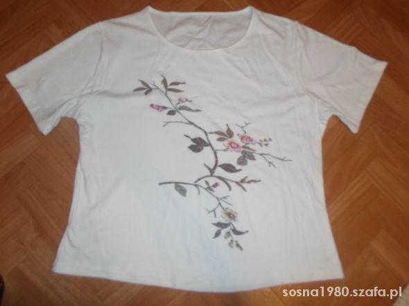 Bluzka z kwiatami