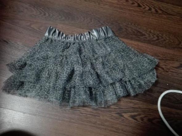 Sukienki i spódniczki spodniczka
