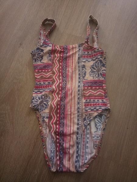 jednoczęściowy strój wzory