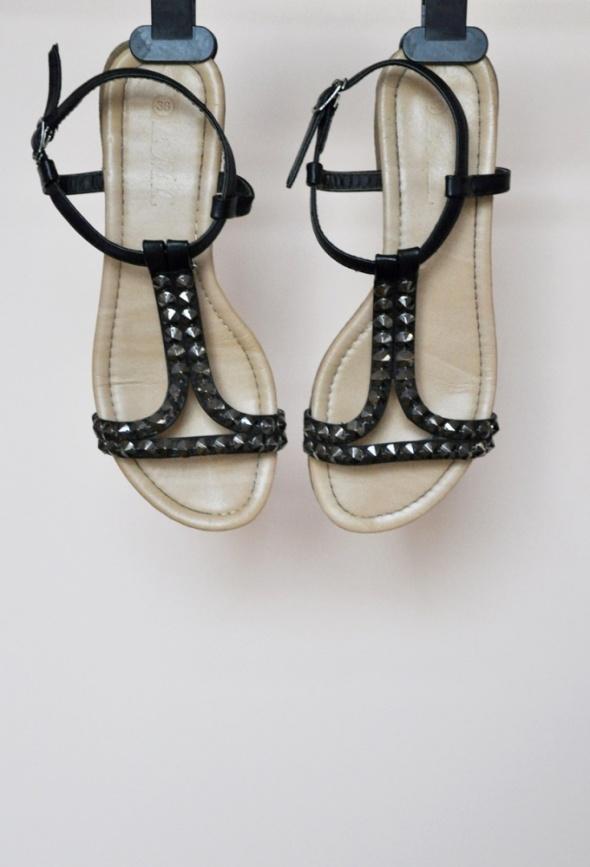 Czarne sandałki sandały z ćwiekami 38