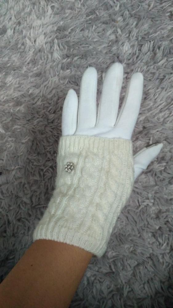 Rękawiczki białe z ocieplaczami do telefonu