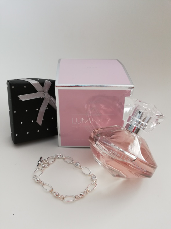 Nowe oryginalne perfumy damskie Rozenek AVON luminata 50ml folia gratis bransoletka