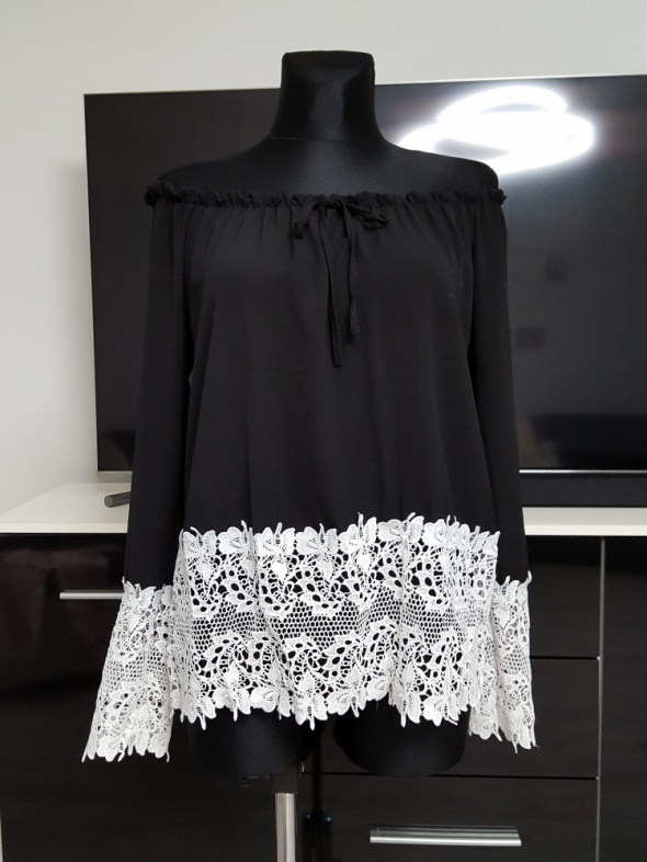 czarno biała bluzka hiszpanka z koronką