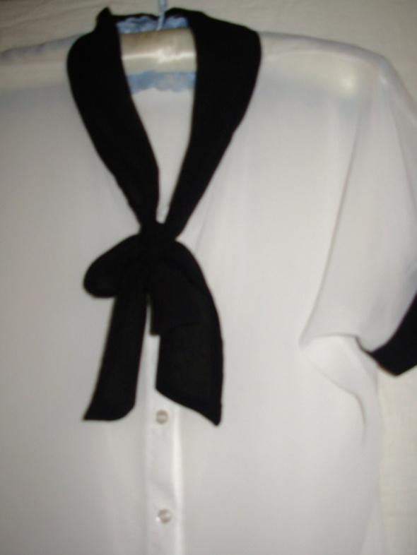SELECT biała bluzka 40...