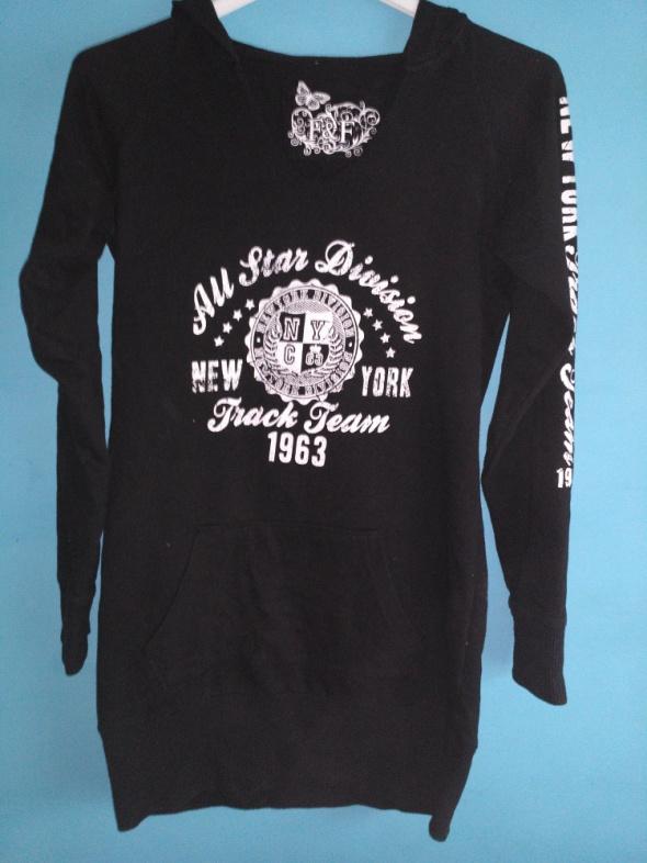 Czarna bluza z nadrukiem 36