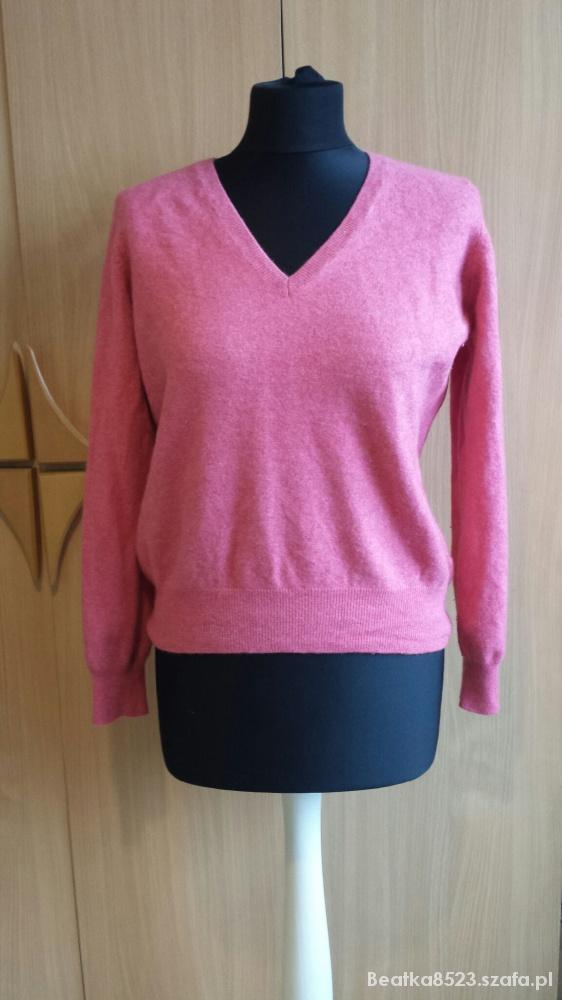 Wiosenny czerwony sweterek