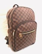 Plecak w kratę z kieszenią z przodu