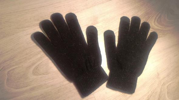 Czarne połyskujące rękawiczki do ekranów dotykowych