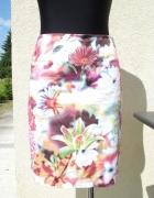Piękna kwiatowa spódnica 3 D...