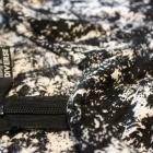 Biało czarny kombinezon
