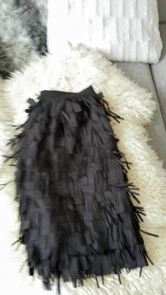 Czarna elegancka fredzle